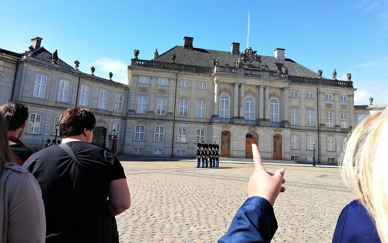 Palacio Copenhague, cambio de guardia.