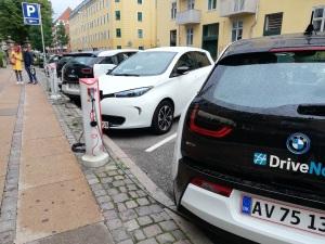 Cargador eléctrico para automóviles.