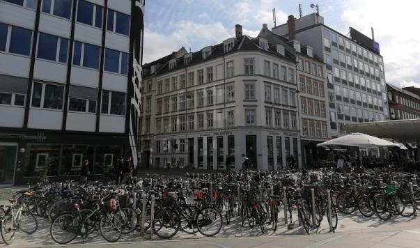 Parqueo de bicis en Copenhague.